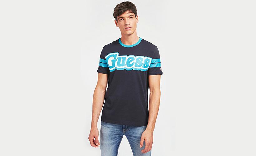 Camiseta estampado Guess con 15% dto
