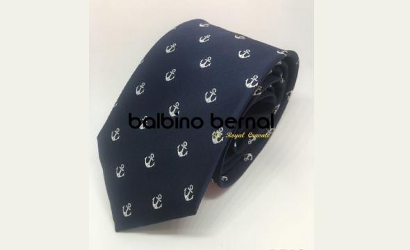 Corbata diseño marino con anclas blancas